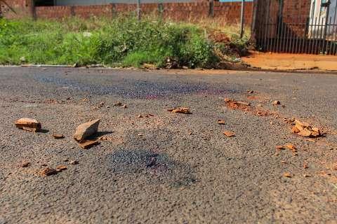 Homem é assassinado a pedradas durante briga na madrugada